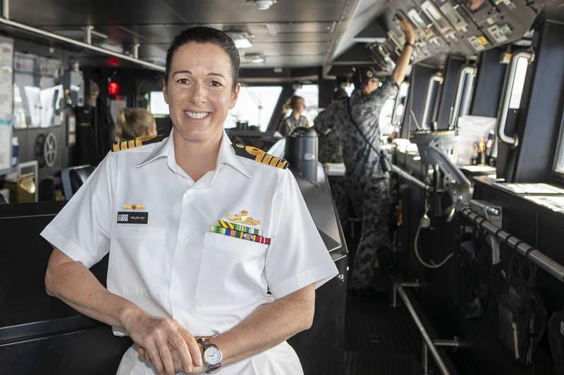 澳洲皇家海軍上校海伊是環太平洋軍演史上首位非美軍女性指揮官。(圖片取自美太平洋艦隊網站)
