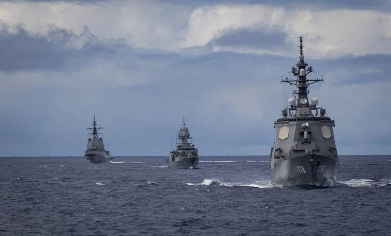 圖由右自左為日本愛宕級護衛艦「足柄號」(DDG-178)、澳洲皇家海軍巡防艦「阿朗塔號」(FFH-151)、澳洲皇家海軍驅逐艦「荷巴特號」(DDG-39)。(擷取自環太平洋軍演推特)