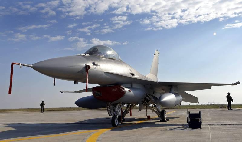 羅馬尼亞採購的F-16已陸續到貨。示意圖。(歐新社)
