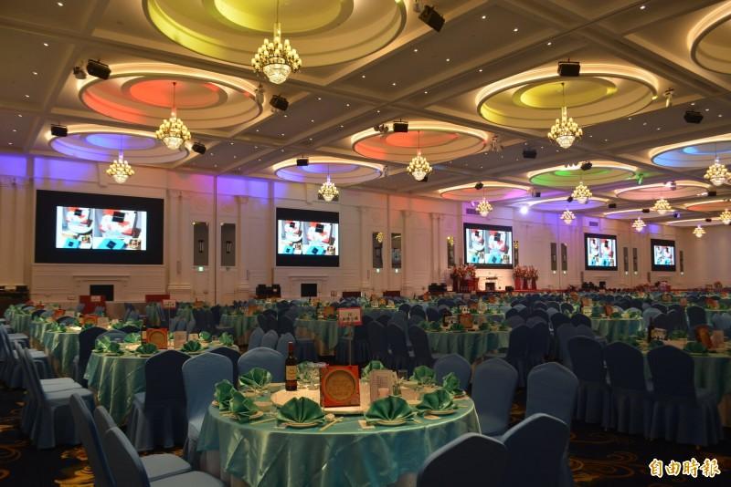 臻愛花園飯店今天開幕,擁有可同時容納400桌,4000人一起用餐,號稱全國最大的宴會廳。(記者陳建志攝)