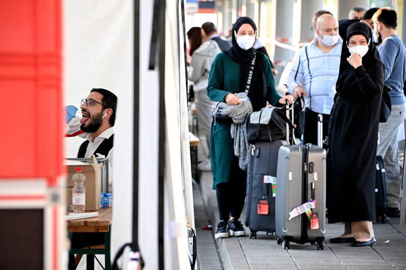 德國政府決定近日內停止對入境者強制篩檢。(歐新社資料照)
