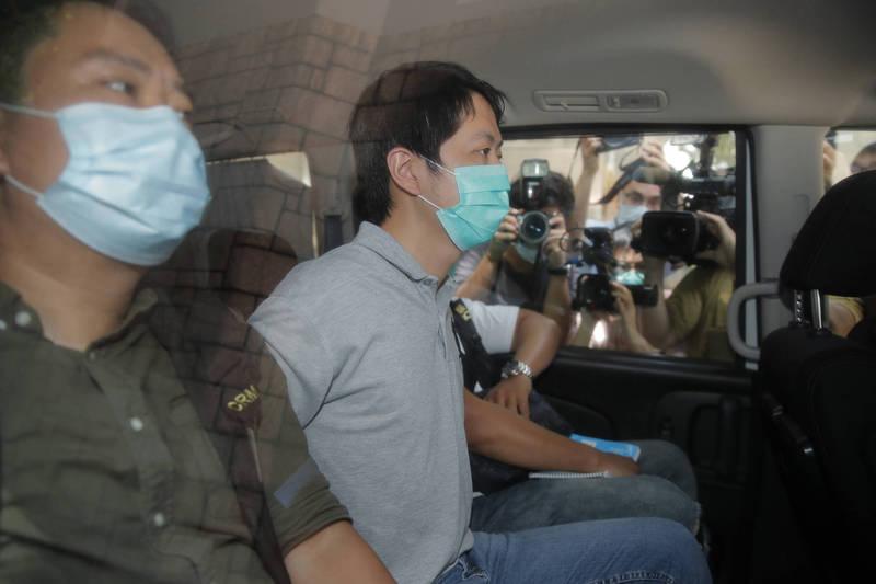 香港民主黨立法會議員林卓廷和許智峯今日清晨在自家住所遭逮捕,圖中為林卓廷。(美聯社)