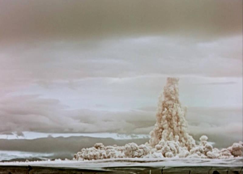 蘇聯於1961年10月在北極圈附近的的新地島(Novaya Zemlya)上空4000公尺處的試爆「沙皇炸彈」,近日俄羅斯官方發布了這段60年前的機密影片。(路透)