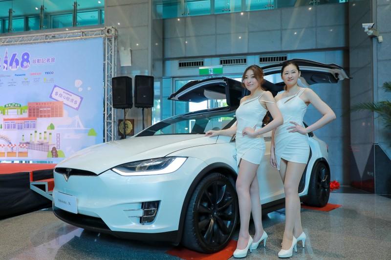 「新北振興168」首波登錄發票抽獎活動,將於31日抽出百萬電動車得主。(新北市政府經濟發展局提供)