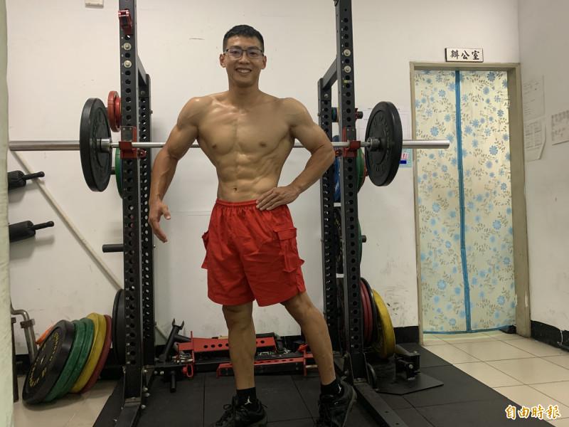 陳睿均說,練健身已成為興趣,而他很享受重量訓練的過程,得獎後的下一步,想再奪得10月份的職業資格賽。(記者陳恩惠攝)