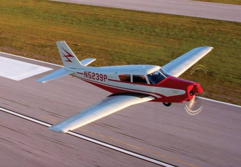 美國德州一架派珀PA-24小飛機墜毀,導致3死1重傷。PA-24示意圖,與本新聞無關。(圖擷自Piperflye網站)