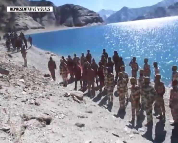 印度軍方5月間釋出兩軍對峙畫面,中方指控印方越界、侵犯了中國領土。(圖取自微博)
