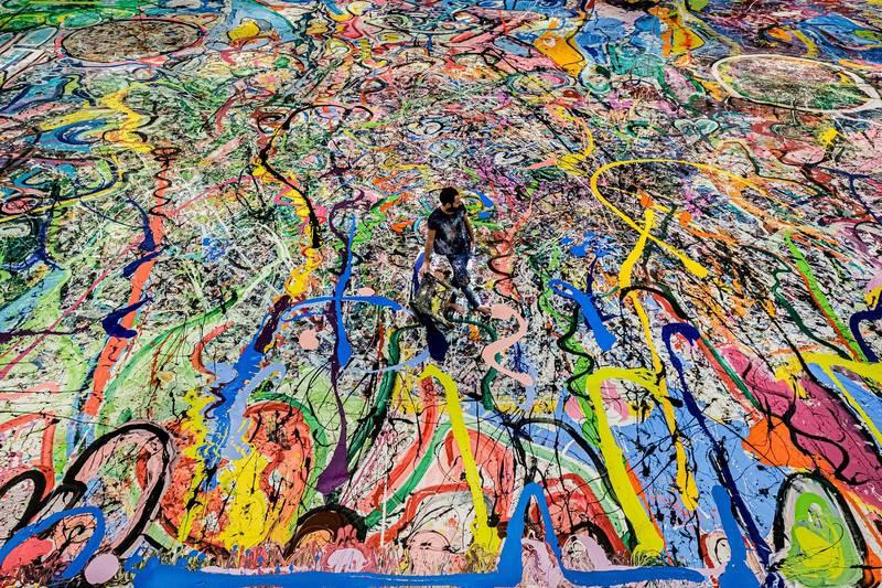 Sacha Jafri繪製世上最大的畫作。(Humanity Inspired 授權)