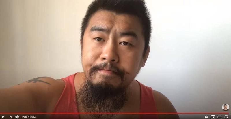 「館長」陳之漢上月28日凌晨遭到槍擊,中國的「格鬥狂人」徐曉冬也在網路發文聲援館長。(圖翻攝自YouTube)