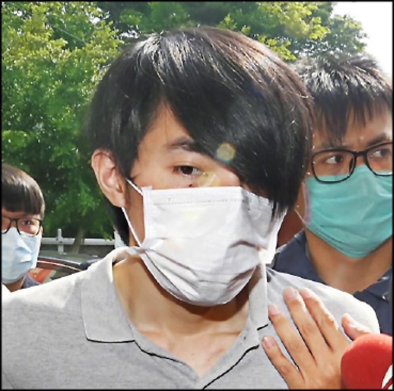 高雄失聯國中少女1日被尋獲,警方將羅育祥帶往 高雄警局展開進一步調查。 (中央社)