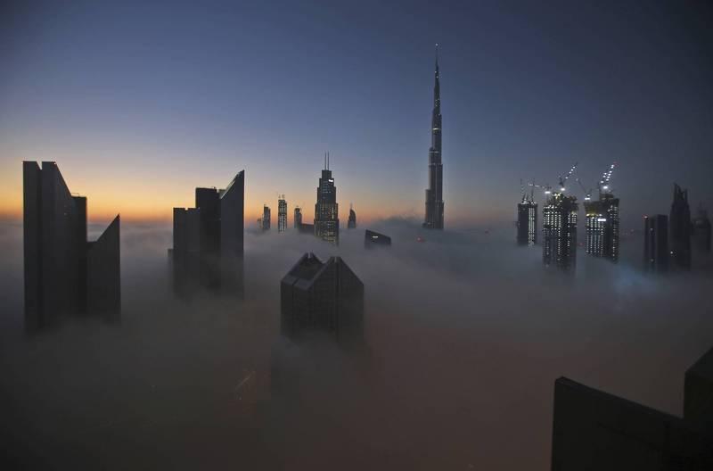 阿拉伯聯合大公國昨天(1日)通報新增574例確診,為該國連續第2天通報新增確診逾500例。(美聯社)