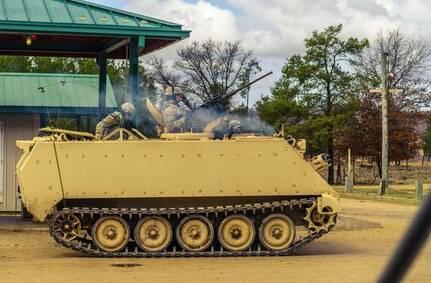巴西陸軍近期完成全數386輛改良版M113B裝甲運兵車接收,圖為美軍M113裝甲運兵車。(擷取自美國國防部官網)