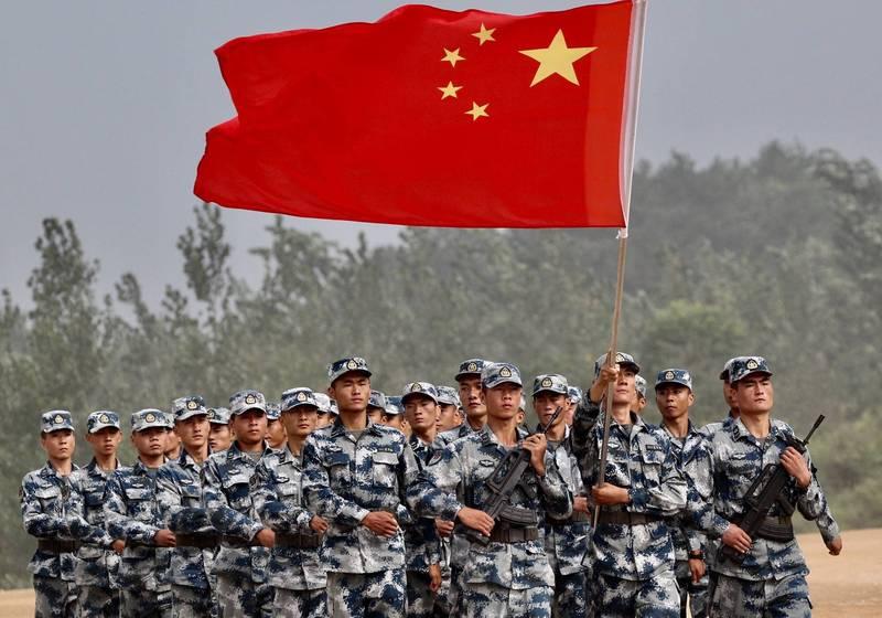 美國國防部今日發布的「2020年中國軍力報告」指出,解放軍有執行各種兩棲作戰的能力,即使如此,仍缺乏全面進犯台灣的能力。圖為中國解放軍。(路透檔案照)