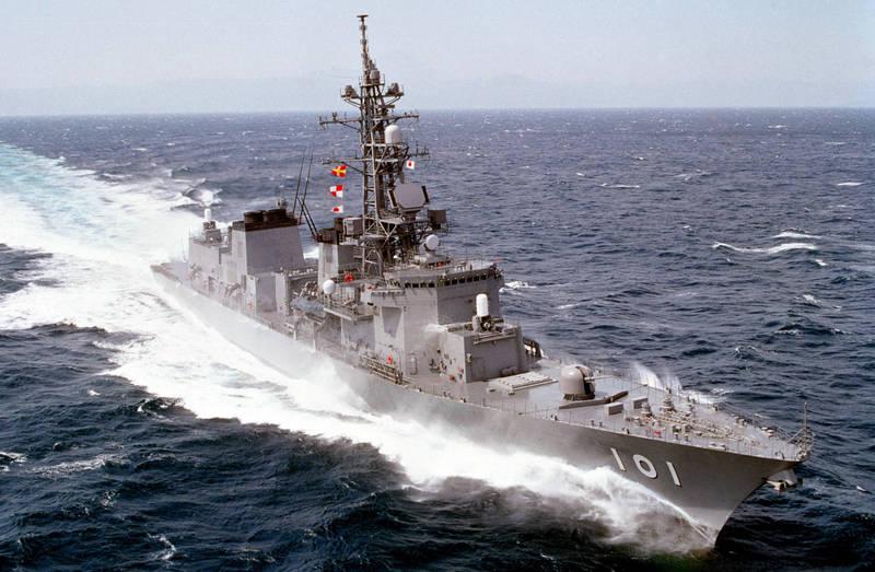 日本海自護衛艦「村雨號」(DD-101)1日傳出有1名艦上官兵確診武漢肺炎,因此中東換防任務確定延期,圖為護衛艦「村雨號」。(擷取自日本海自官網)