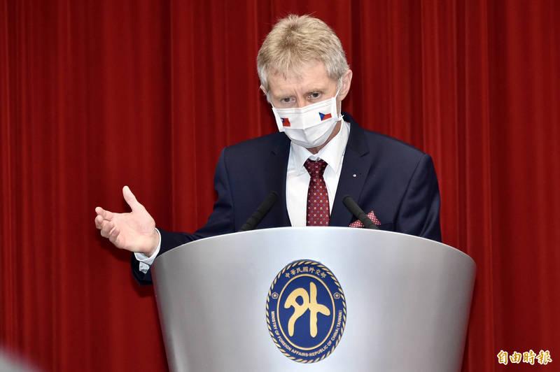 捷克參議院議長韋德齊(見圖)率團訪問台灣。(記者塗建榮攝)