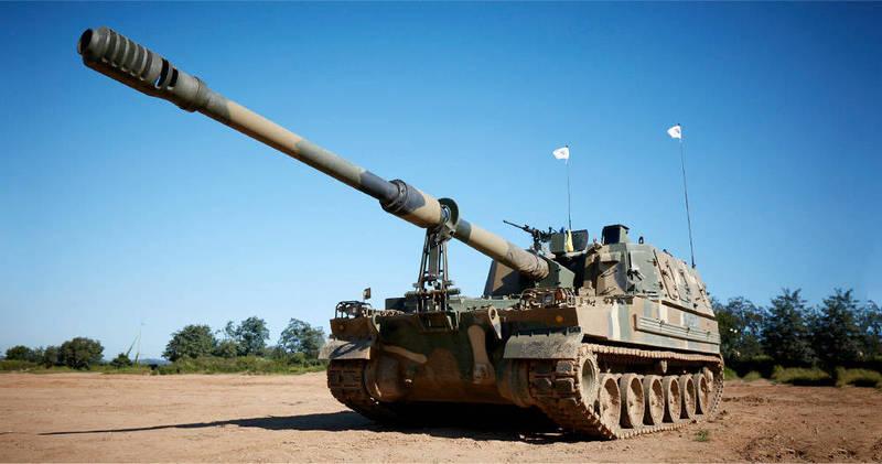 澳洲將攜手韓華防衛公司,打造30輛自走砲車及15輛彈藥補給車,圖為韓華防衛公司K9自走砲車。(擷取自韓華防衛官網)