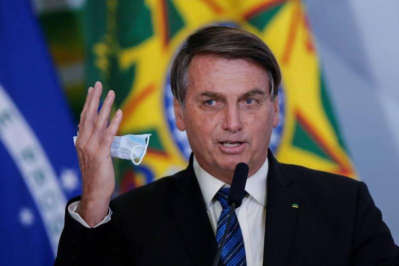 巴西總統波索納洛表示,疫苗問世後不會強迫民眾接種,相關言論再掀爭議。(路透)