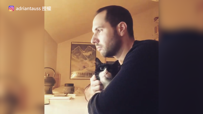 Adrian Tauss和小貓Bojangles。(Instagram adriantauss 授權)