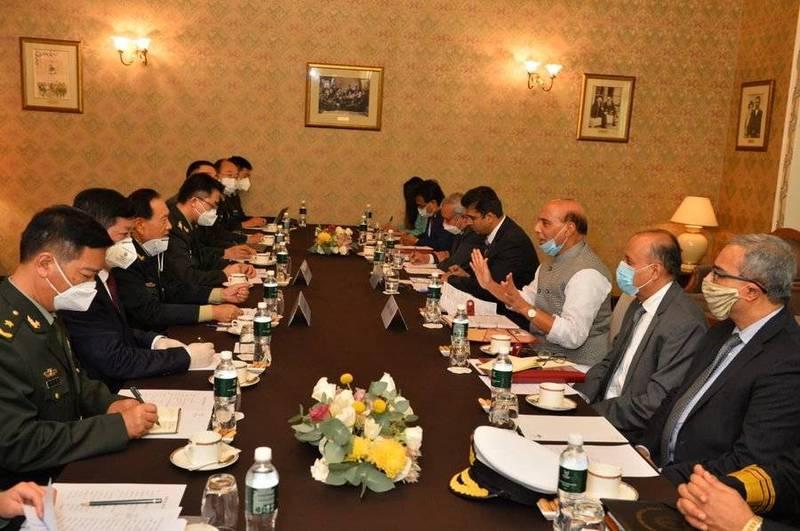 中印兩國防長自5月衝突以來首次會面。(圖擷取自辛赫推特)