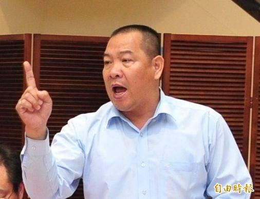 中華民國養豬協會前理事長潘連周說,農委會推國產豬標章比較像噱頭,「還是做好產地標示比較實在」。(資料照)