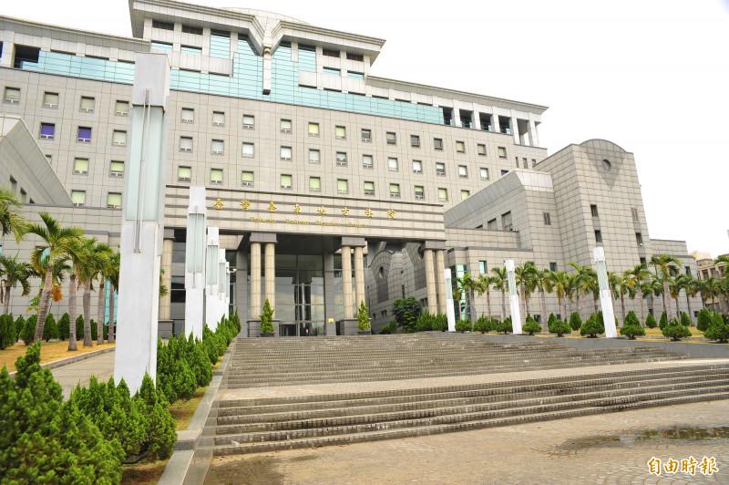 「白話文法官」陳欽賢再次透過白話文判決,為讓民眾能了解法官到底在「說什麼」而努力。(記者王捷攝)