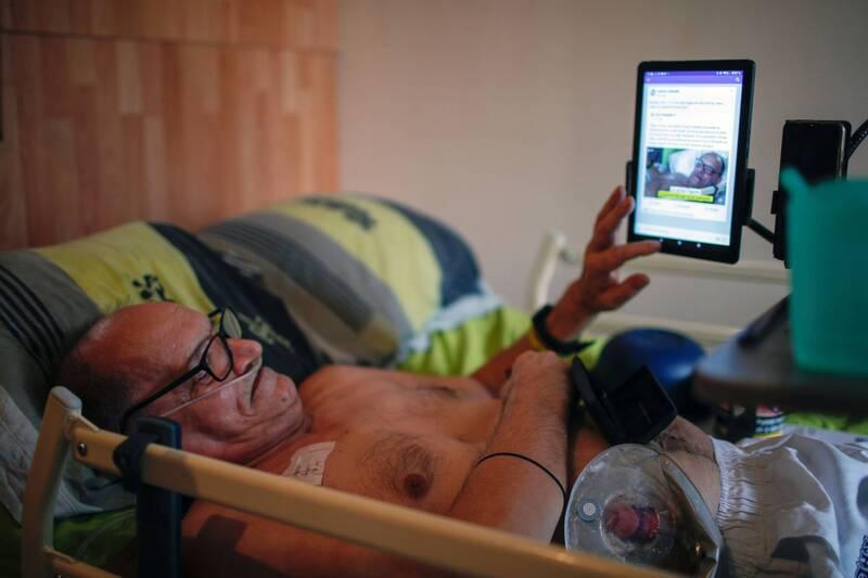 法國57歲男子科克透過臉書直播自己絕食停藥的過程,期望藉此讓大眾關注安樂死議題,臉書則中斷了科克的直播。(路透)