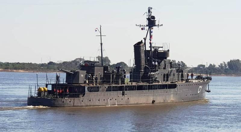 網友發現,我國友邦巴拉圭「巴拉圭號」砲艦(見圖)高齡89歲,仍然能堅守崗位。(圖擷取自「@kerutya」推特)