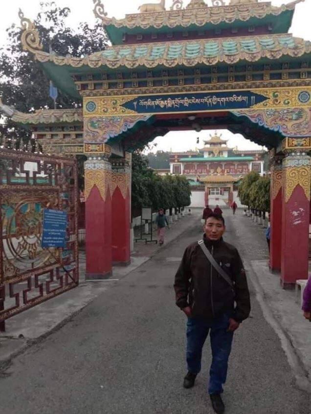 53歲的尼瑪(見圖)為印度特種部隊內的藏族成員,日前中印邊境衝突時,在班公錯湖附近因誤觸地雷陣亡。(圖取自Lhagyari Namdol推特)