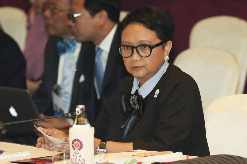 印尼外交部長勒特諾週二對美中提出警告,籲請兩國勿將印尼捲入兩大強權爭奪區域影響力的角力之中。(美聯社)