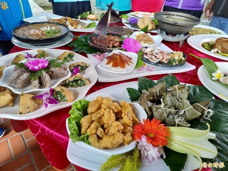 鹿港潯味甲子宴是鹿港小吃宴的升級版,9家超過一甲子老店熱情參與。(記者劉曉欣攝)