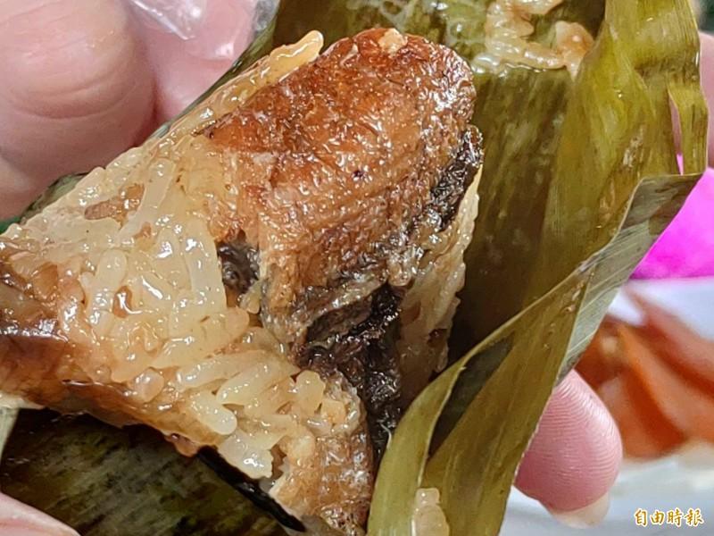 鹿港早年是養鰻重鎮,以鰻魚入粽來重現歷史。(記者劉曉欣攝)