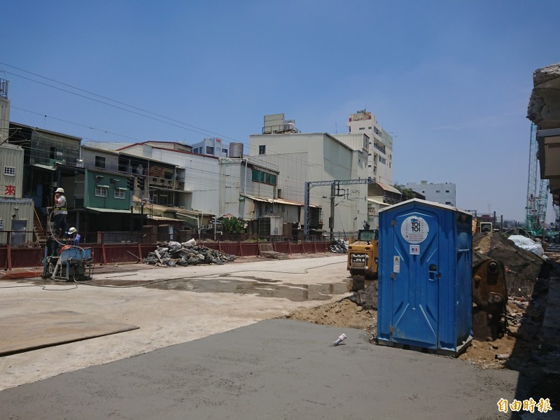 台南市區鐵路地下化工程計劃期程,將延至2026年完工。(記者洪瑞琴攝)