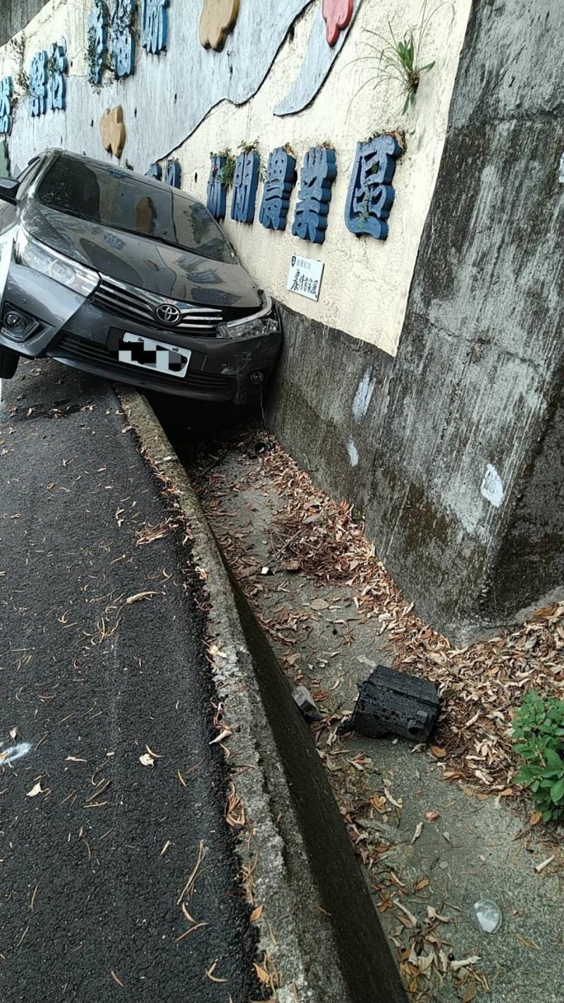 圖為當時事故現場。(記者蔡政珉翻攝)