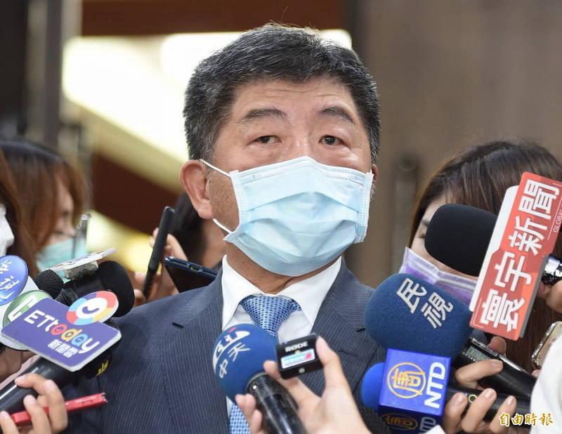 中央流行疫情指揮中心指揮官陳時中表示,最近將和COVAX(全球疫苗免疫聯盟)簽約,確保台灣能分配或採購到一定數量的疫苗。(記者劉信德攝)