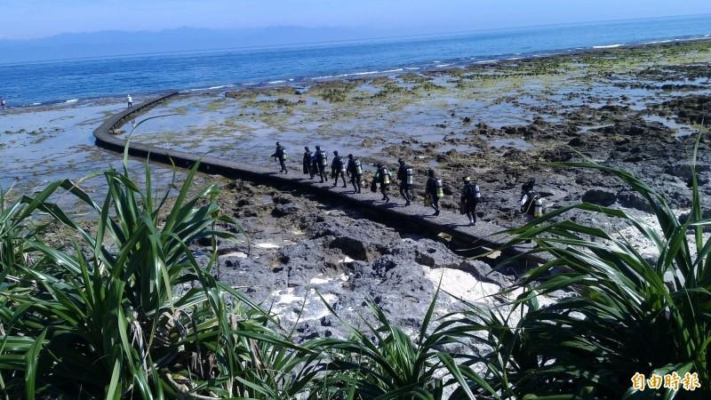 綠島是知名的潛水勝地。圖中人物與新聞事件無關。(記者黃明堂攝)