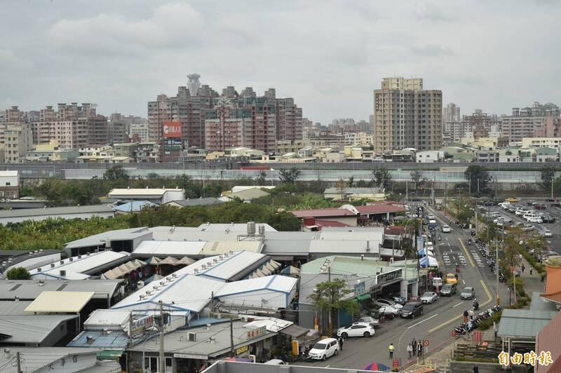 台灣網友在PTT上好奇提問網友是否「願意每個月花兩千讓居住空間變美嗎?」,引起一番討論。圖為台灣街景示意圖,與本文無關。(資料照)