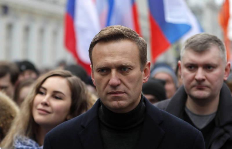 俄羅斯反對派領袖納瓦尼(見圖中)日前中毒一度命危,幸轉送德國治療後已好轉,德國也發現納瓦尼中的毒為神經毒劑「諾維喬克」,如今法國、瑞典的實驗室也證實。(歐新社)