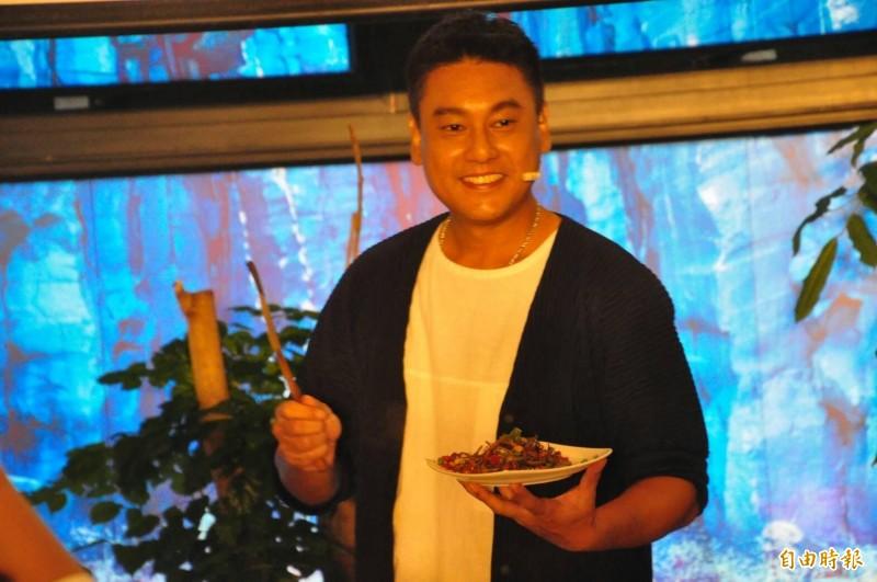 澎湖戀戀海味美食假期,請來朱孝天擔任代言人。(記者劉禹慶攝)