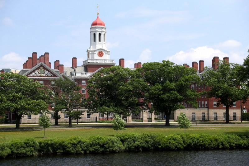 美國國務院數據顯示,7月獲發美簽的中國學生僅百餘人,比去年同期2萬多人大幅減少。圖為哈佛大學校景。(法新社檔案照)