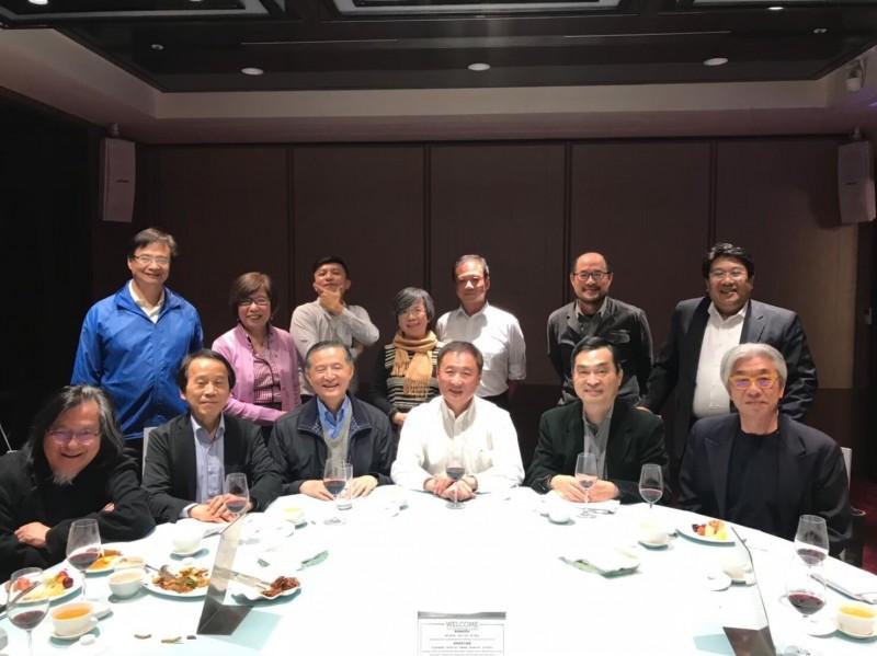 離職首長感情好,成立LINE群組「北市府OB會」,會聊天、相約吃飯。(圖由與會人提供)