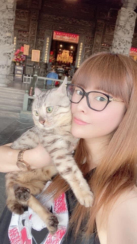 女星錢立妍為愛貓與獸醫院劉姓院長互告。(翻攝臉書「錢多安 DoDo」)