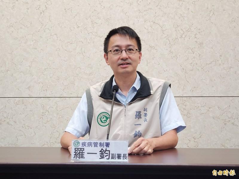 衛福部疾管署副署長羅一鈞說明本土登革熱疫情。(記者林惠琴攝)