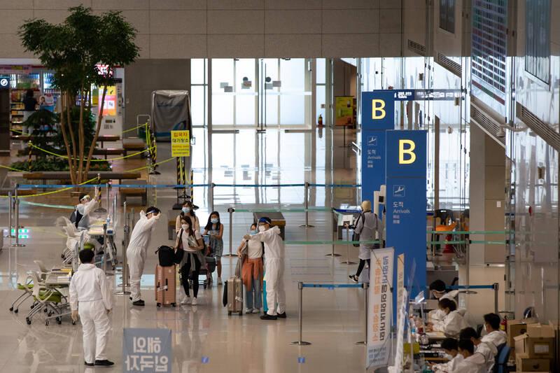 首班「仁川-武漢」復飛航班於今日上午8時48分自仁川機場起飛。圖為南韓仁川國際機場一景。(彭博)