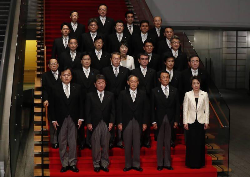 由自民、公明兩黨聯合執政的菅義偉內閣今晚正式成立。(歐新社)