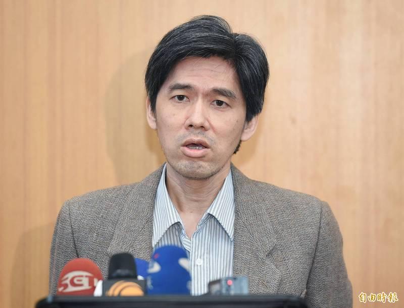 國民黨16日舉行中常會,大陸事務部主任左正東會後受訪。(記者廖振輝攝)