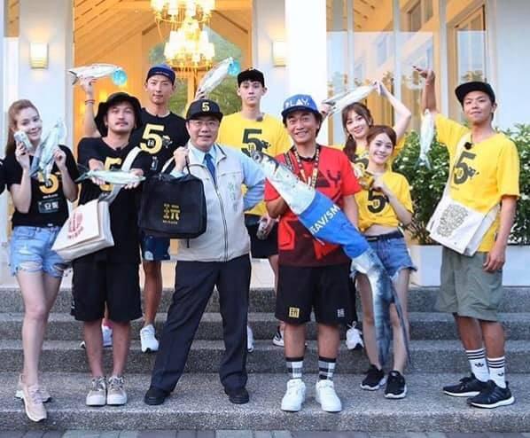 黃偉哲表示小鬼及其節目團隊6月才到台南與他一起錄影。(圖擷自黃偉哲臉書)