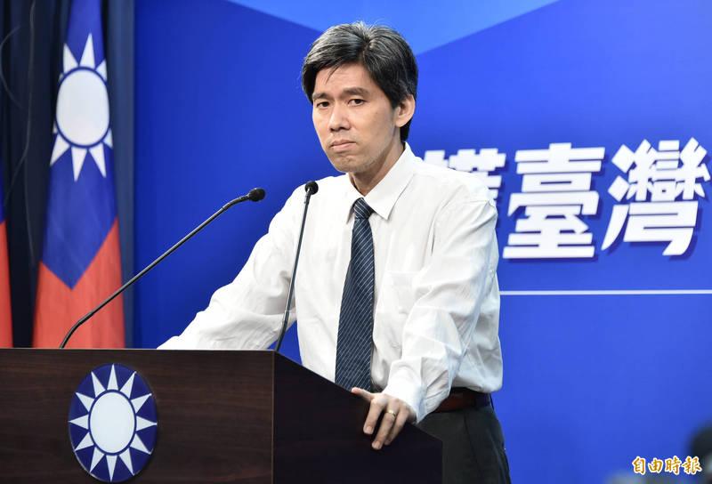 國民黨大陸事務部主任左正東14日記者會上一句「台灣民心非常脆弱,沒辦法完全釋懷」引發爭議。(資料照)