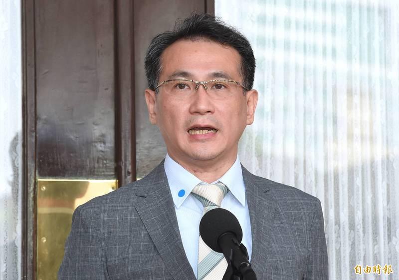 鄭運鵬(見圖)認為,國民黨私設管道和中國私下溝通,而中國也特別圖利國民黨,讓國民黨掉進陷阱,更強調國民黨此次對於海峽論壇的發言是「心理脆弱經不起台灣人民檢驗,也經不起被中國放生」。(資料照)