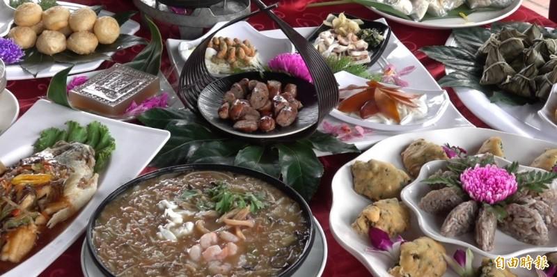 鹿港潯味甲子宴今年首度推出就打響名號,許多年已敲碗希望明年續辦。(記者劉曉欣攝)
