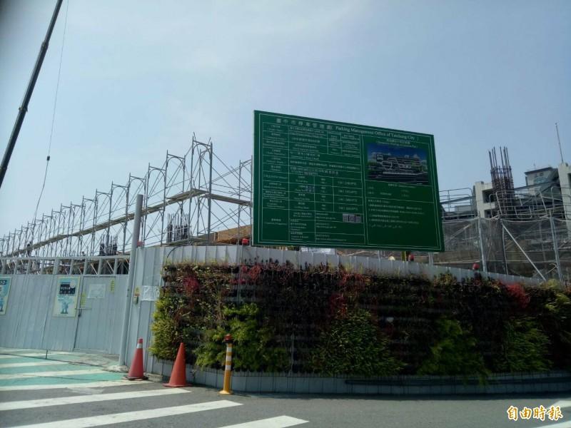 豐原轉運中心新建工程工地12日發生工安意外。(記者張軒哲攝)